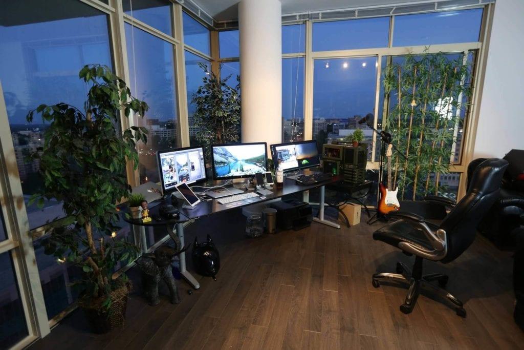 Home-Office-Desk-Setup-Ideas-08