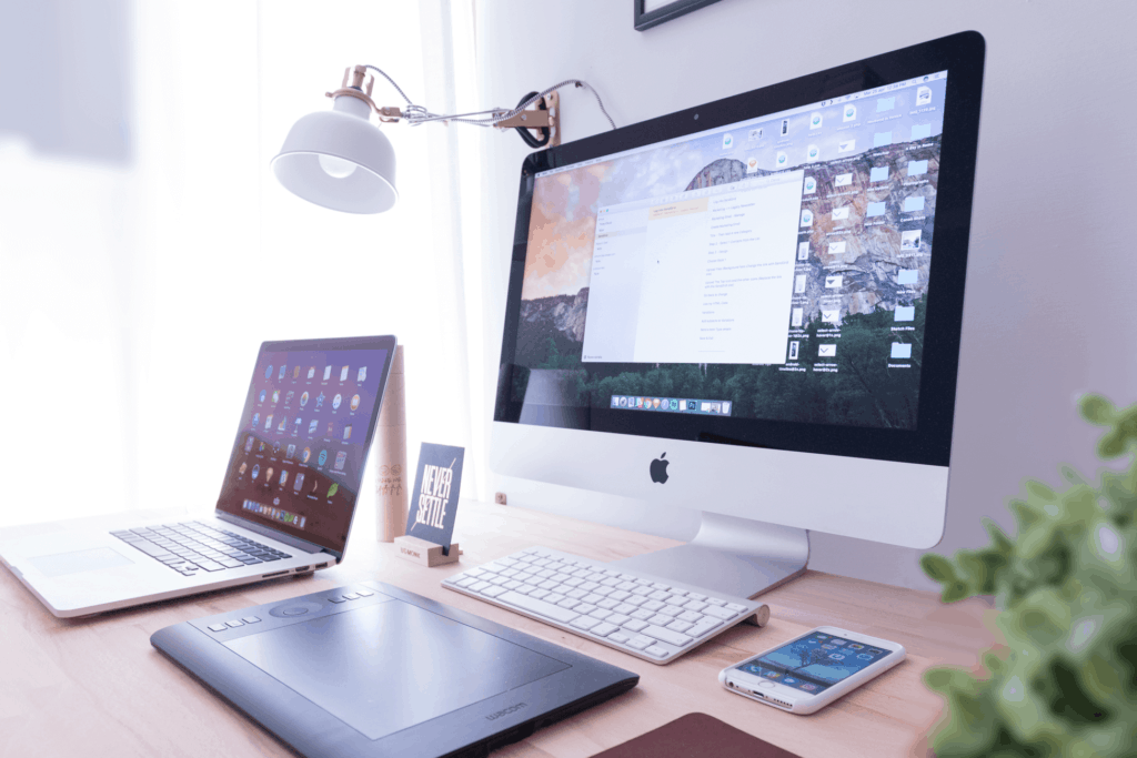 Home-Office-Desk-Setup-Ideas-11