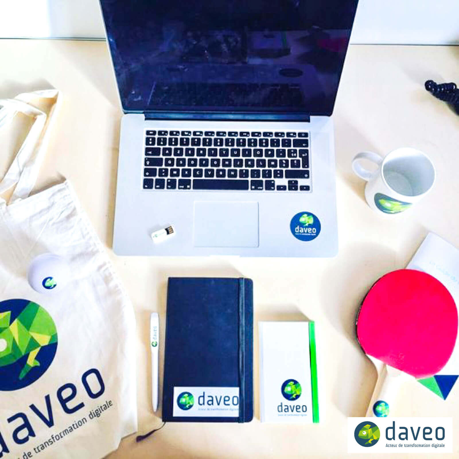 daveo-employee-welcome-kit-for-new-hires