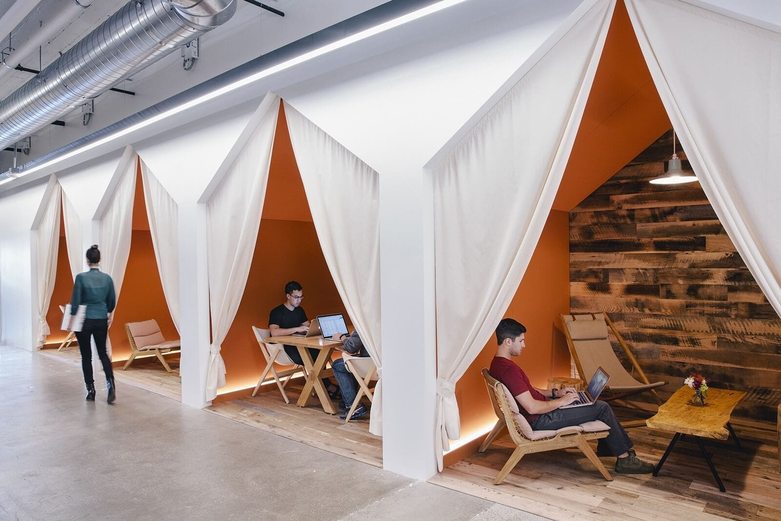 Coolest-Workplace-Environments-Air-BNB-03